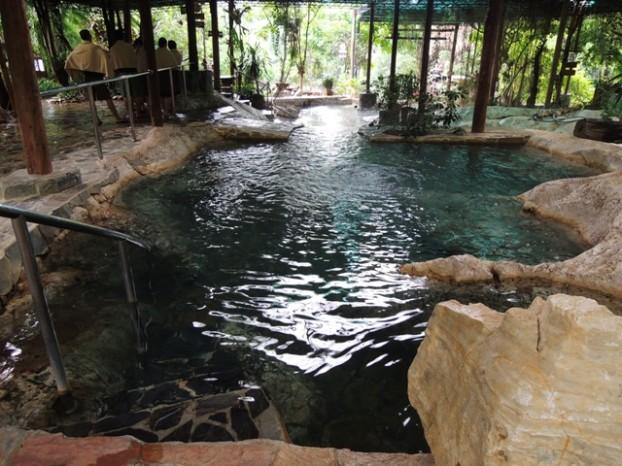 14温泉池之一